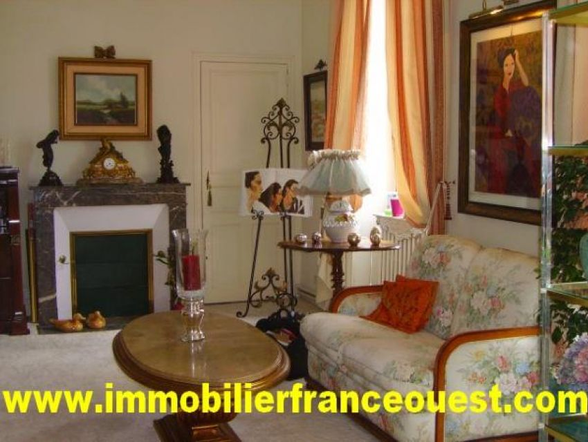 real estate Sarthe (72):Property near Village of Malicorne Sur Sarthe -  Axe Sablé / Le Mans