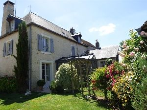 Character village house in the South of Normandy (Pays de La Loire) for sale