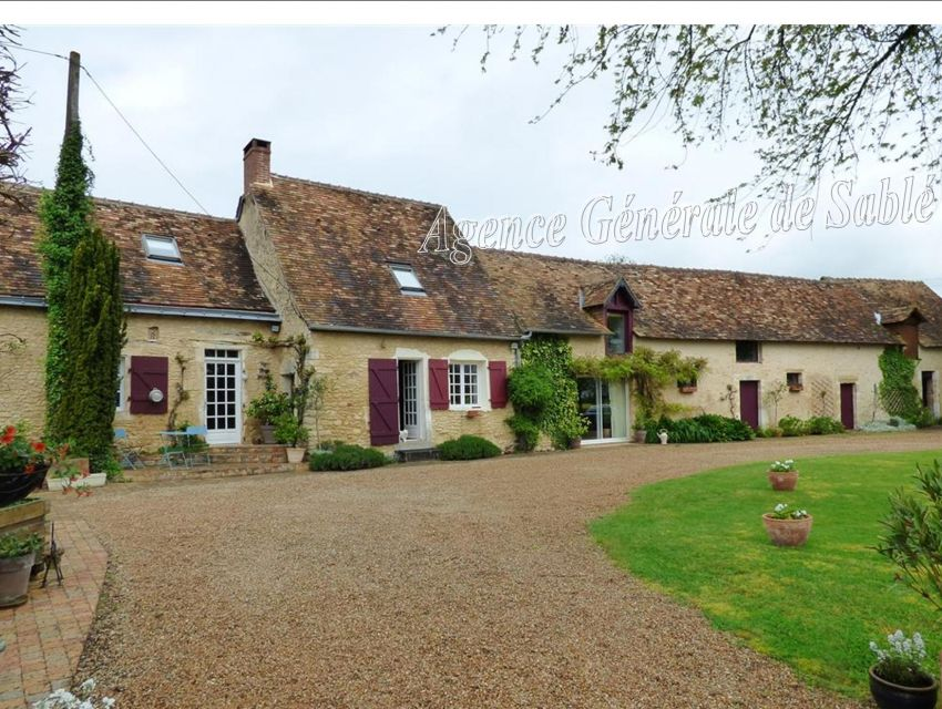 authentic restored  farm house in the Sarthe Area region of le mans