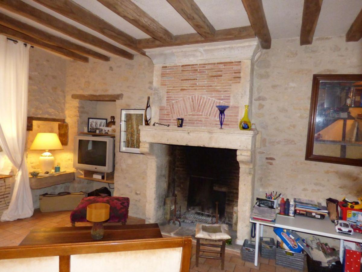 character village house brulon area between le mans and. Black Bedroom Furniture Sets. Home Design Ideas