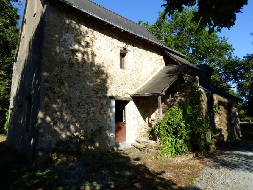 country property in Pays de la Loire with 3 houses pond wood