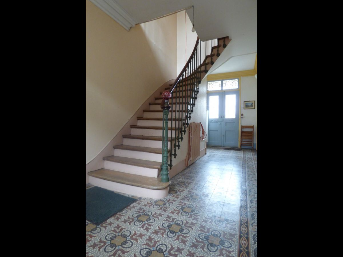 Mansion in the anjou area close to angers pays de la for Escalier interieur maison