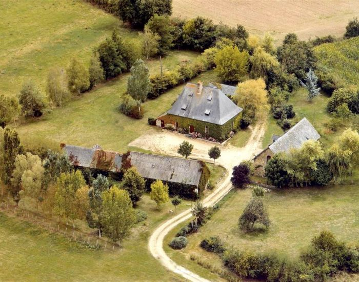 Country property with character main house and stone outbuildings and land for 1 hectare Anjou Pays de La Loire