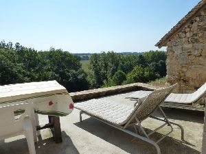 house on the river bank and dominant situation in the Loire Valley for sale